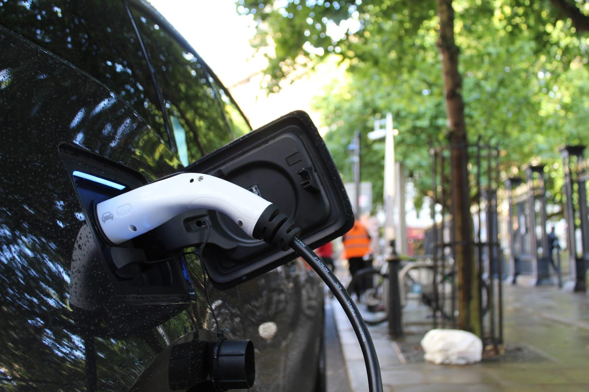 Инвестиция за над 1 млрд. долара в станции за електрически автомобили